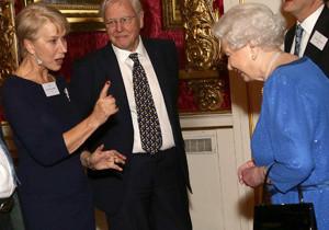 Isabel II y Kate Middleton reciben a los actores británicos en Buckingham